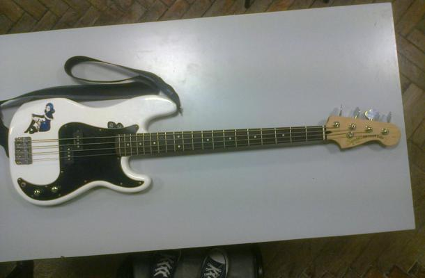 "Squier ""Juvia""  Precision Bass"